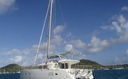 Lagoon Lagoon 400 3 cabines : Au mouillage en Martinique